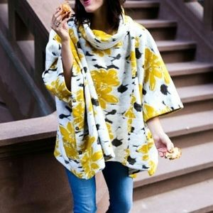 Saturday Sunday Yellow Clustered Flora Poncho